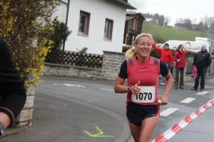 Andrea Schneider beim Halbmarthon in Brechen