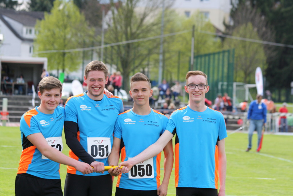 Felix Schlegel, Florian Hanz, Justus Hänsel und Maximilian Klink (v. lks): 4x100m mit neuem Kreisrekord  in 44,91